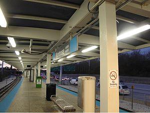 Montrose station (CTA Blue Line) - Image: Montrose Blue Line