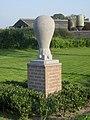 Monument Luchtballonlanding Archimedes Constant Grooten Castelré.jpg