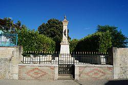Monument aux morts de Saint-Martin-de-Fraigneau (vue 1, Éduarel, 21 août 2016).jpg