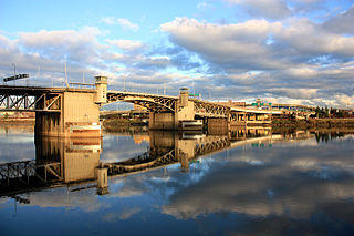 Morrison Bridge bridge in Portland, Oregon, USA