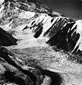 Muldrow Glacier, valley glacier, August 1957 (GLACIERS 5176).jpg