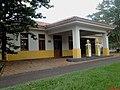 Museu Agromen de Tratores e Implementos Agrícolas, localizado no complexo do Centro Hípico e Haras Agromen em Orlândia. Posto de combustível da bandeira Shell em estilo retrô. - panoramio.jpg