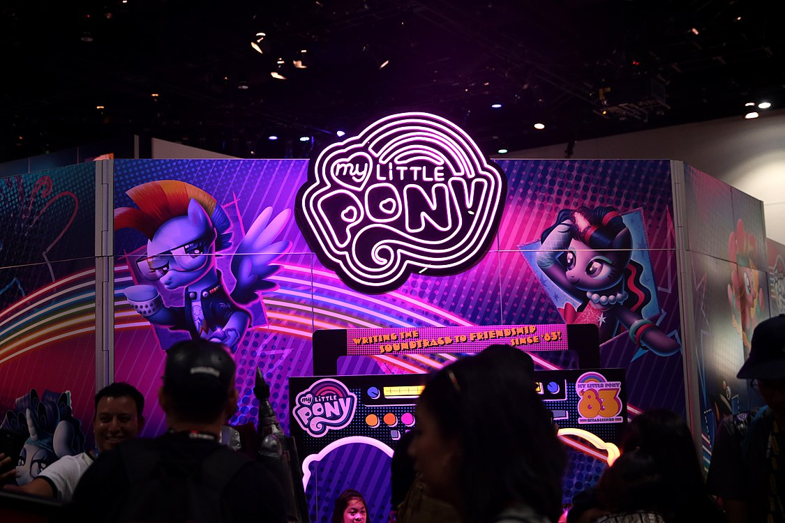 My Little Pony booth (42689953085).jpg