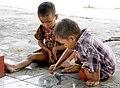 Myanmar-Mandalay-Kuthodaw-Kinder-03-gje.jpg
