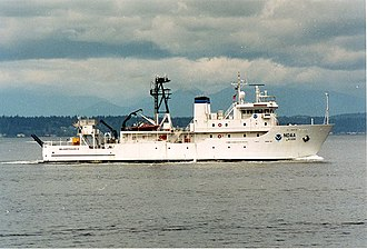 USNS Indomitable (T-AGOS-7) - NOAAS McArthur II (R 330) underway sometime between 2003 and 2009.