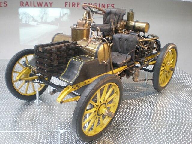 640px-NW_Rennzweier_racing_car_(1900)_-_NTM.jpg