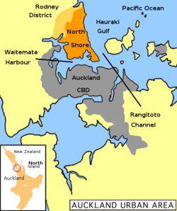 North Shore City (in orange) within the Auckland metropolitan area.的位置