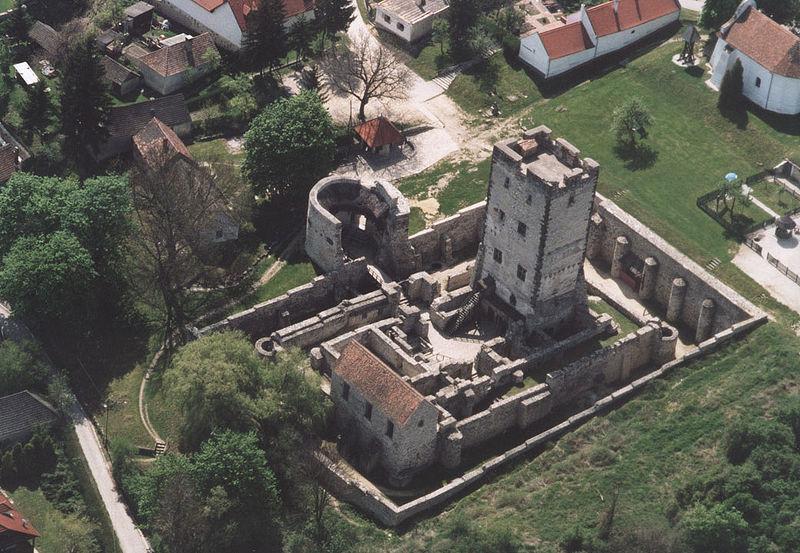 Fájl:Nagyvázsony - Castle.jpg