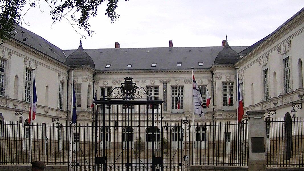 The Hôtel de Ville in Nantes