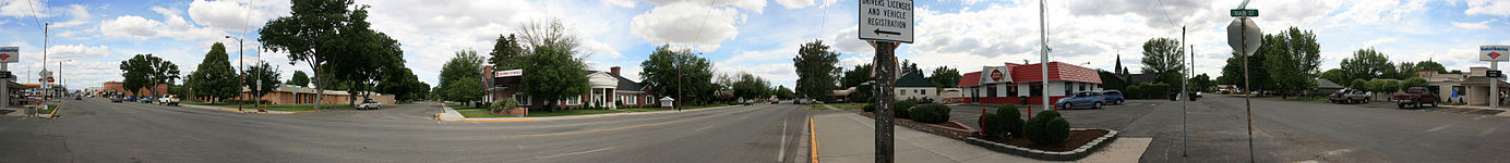 A 360 degree panorama near the center of Gooding, Idaho, 7th and Main (ID-46)