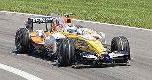 Nelson Piquet Jr. - Piquet driving for Renault at the 2008 Canadian Grand Prix