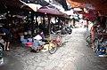 Người dân mua hàng trong chợ Kho Đỏ, phố Chi Lăng, thành phố Hải Dương, tỉnh Hải Dương.jpg