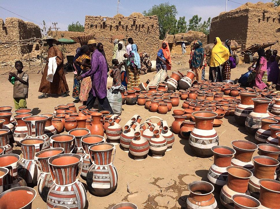 Niger, Boubon (1), pottery market