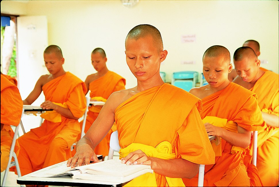 Novices studying Dhamma and Pali language
