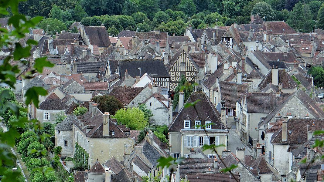 Noyers-sur-Serein vu du vieux château