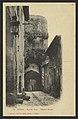 Nyons - Rue des forts - Château féodal (34184245600).jpg