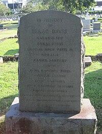 OahuCemetery-IsaacDavis-descendants.JPG
