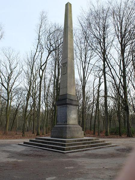 Obelisk 1885 Gemeentepark in Brasschaat