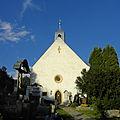 Oberzeiring - Knappenkapelle mit Friedhofskreuz.jpg