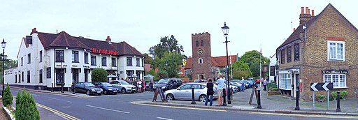 Old Shepperton Square (geograph 4204348)