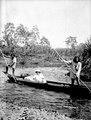 Olga Nordenskiöld med indianerna Selimo coh Camilo. Choco, Rio Cupica. Colombia - SMVK - 004050.tif