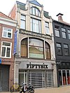 foto van Meubeltoonzaal met woning in Art Nouveau-stijl