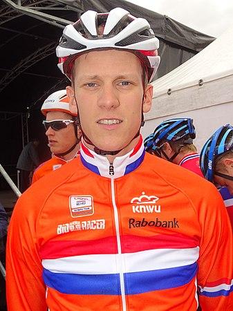 Oudenaarde - Ronde van Vlaanderen Beloften, 11 april 2015 (B154).JPG