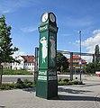 PERSIL-Uhr mit der weißen Dame - Eschwege - panoramio.jpg