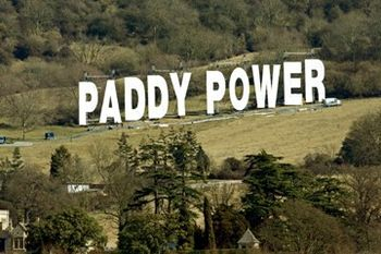 English: Paddy Power Cleeve Hill Advertising Sign