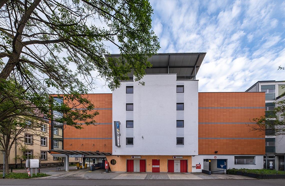 Parkhaus Lorettoplatz in Tübingen 36.jpg