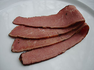 https://upload.wikimedia.org/wikipedia/commons/thumb/1/12/Pastrami.jpg/300px-Pastrami.jpg