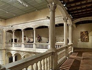 Castillo de Vélez-Blanco - Patio from the Castle of Vélez Blanco, currently in the Metropolitan Museum of Art.