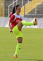 Peggy Nietgen beim Aufwaermen BL FCB gg. 1. FC Koeln Muenchen-1