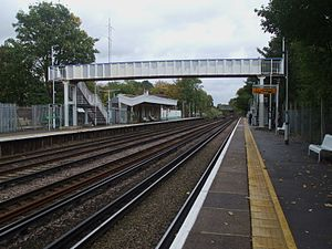 Penge West railway station - Image: Penge West stn southbound looking north
