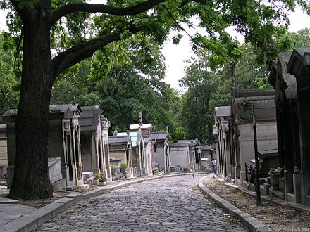 19th-century bourgeois family tombs at Pere Lachaise Cemetery in Paris Pere Lachaise Chemin Errazu.jpg