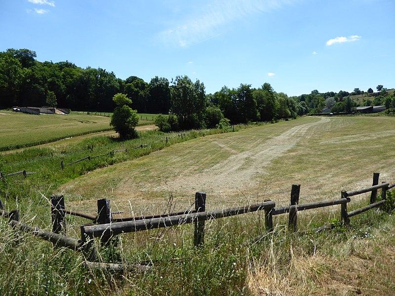 Site des pertes de 'Aroffe à la sortie nord de Gémonville en Meurthe-et-Moselle.