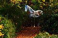 Pferdeskulptur im Garten des Gästehauses der Niedersächsischen Landesregierung.jpg