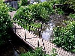Мост через пивоварку рядом с улицей