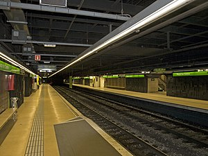 Plaça del Centre station platforms.jpg