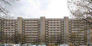 M10 (panel building)