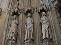 Porta dels Apòstols de la catedral de València, tres apòstols.JPG