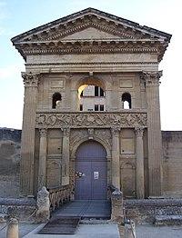 Portail du château de la Tour-d'Aigues.JPG