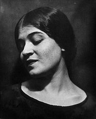 Portrait of Tina Modotti by Edward Weston, 1924.jpg