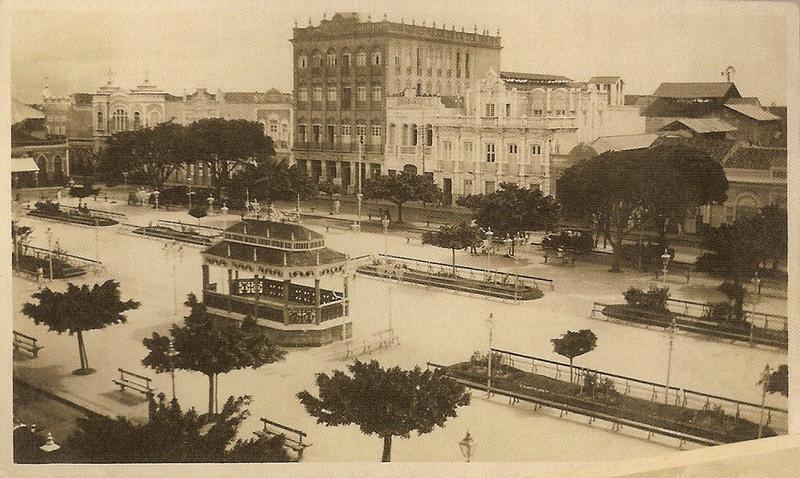 Ficheiro:Praça do Ferreira com coreto 1920.PNG