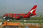 "Qantas Boeing 747-438-ER VH-OEJ ""Wunala Dreaming"" (24062968631).jpg"