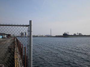 Quebecois moored in Toronto harbour, 2012 03 02 -d.jpg