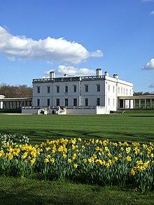 La Queen's House, a Greenwich, è la prima villa neopalladiana in Inghilterra. Fu edificata a partire dal 1616 su progetto di Inigo Jones