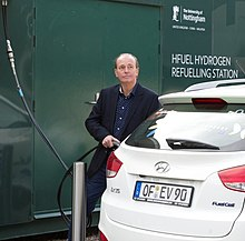 Quentin Willson refuelling the Hyundai ix35 Fuel cell car with HFuel at Nottingham University (cropped).jpg