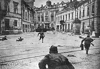 Lvov–Sandomierz Offensive - Soviet Soldiers advancing in Lviv