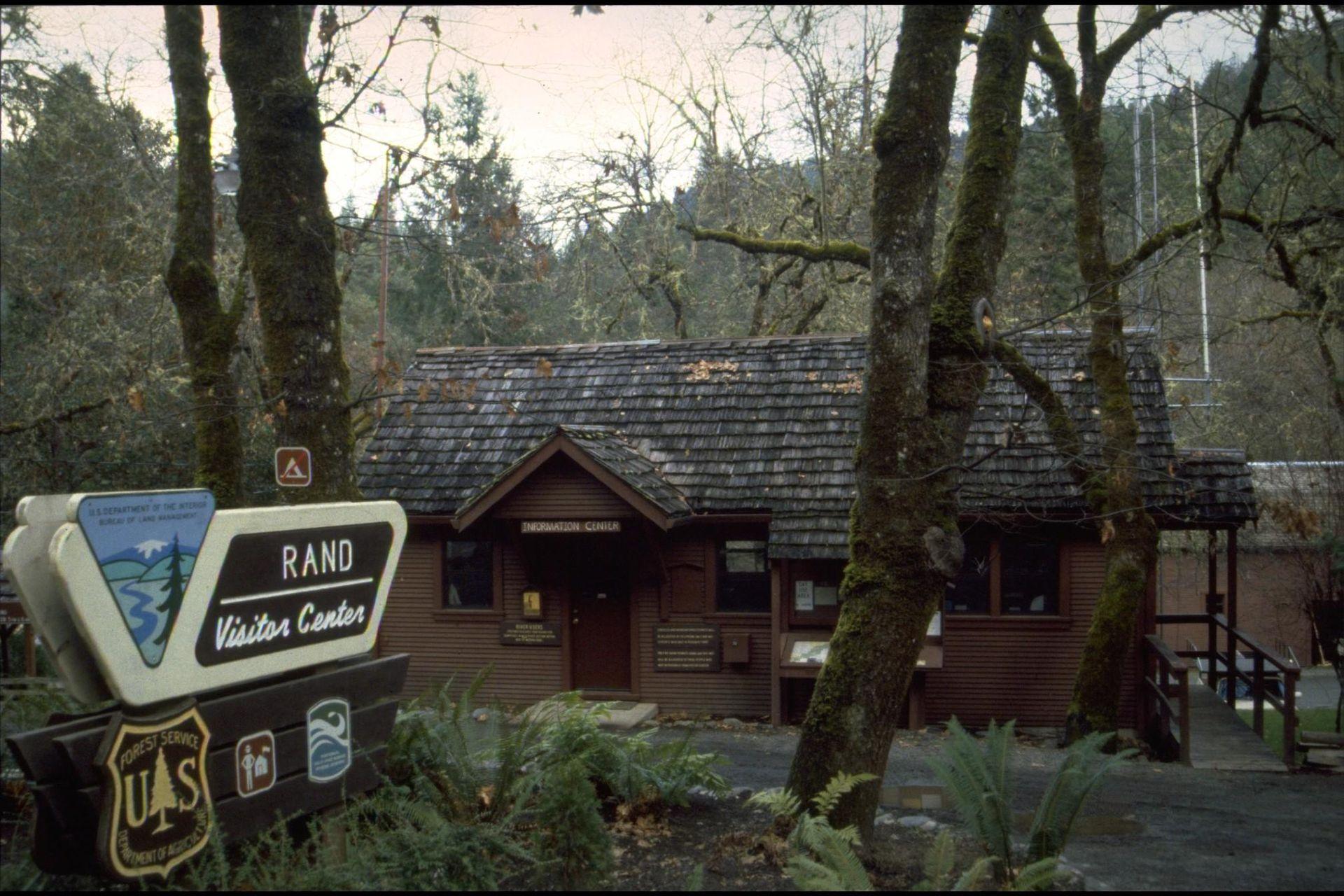 Nearest Service Station >> Rand Ranger Station - Wikipedia